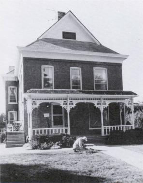Jefferson Street house in the early 1900s