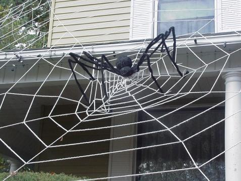 Giant spider decoration